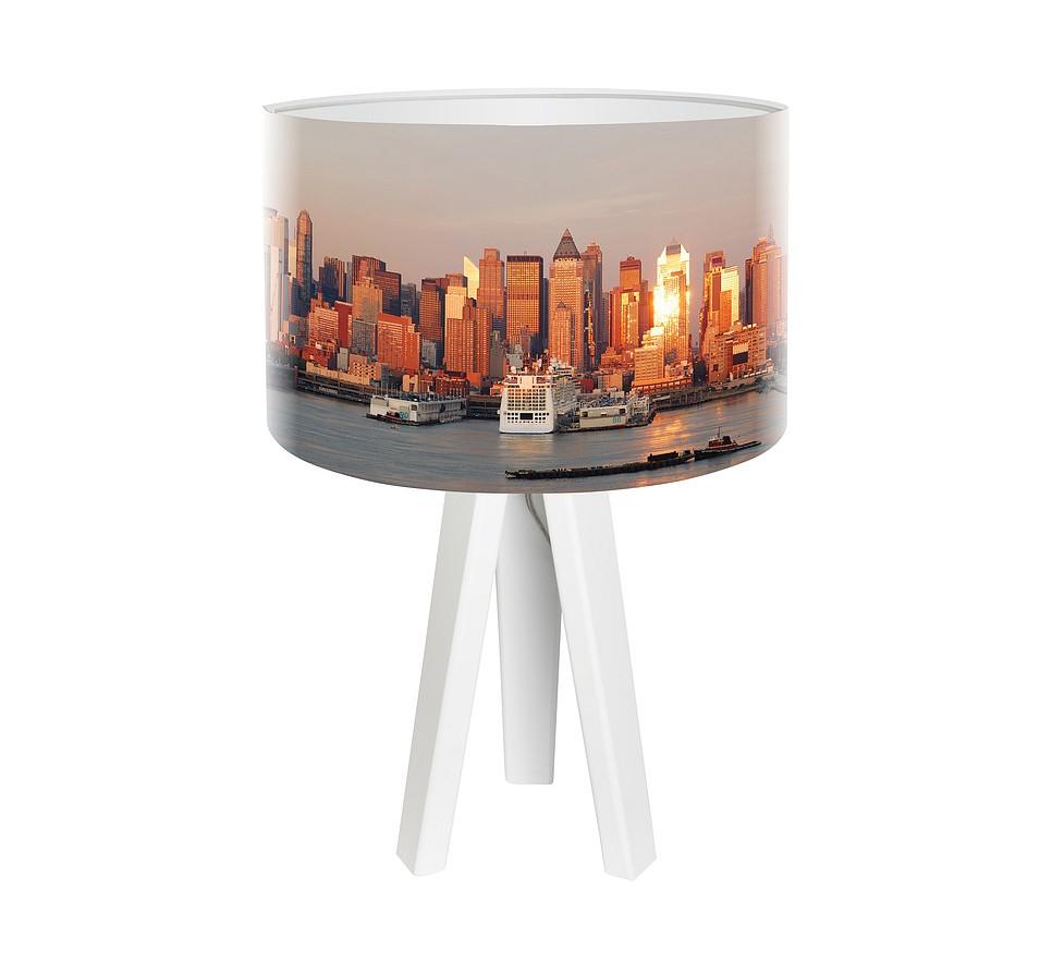 Modna lampa biurkowa MacoDesign City o poranku