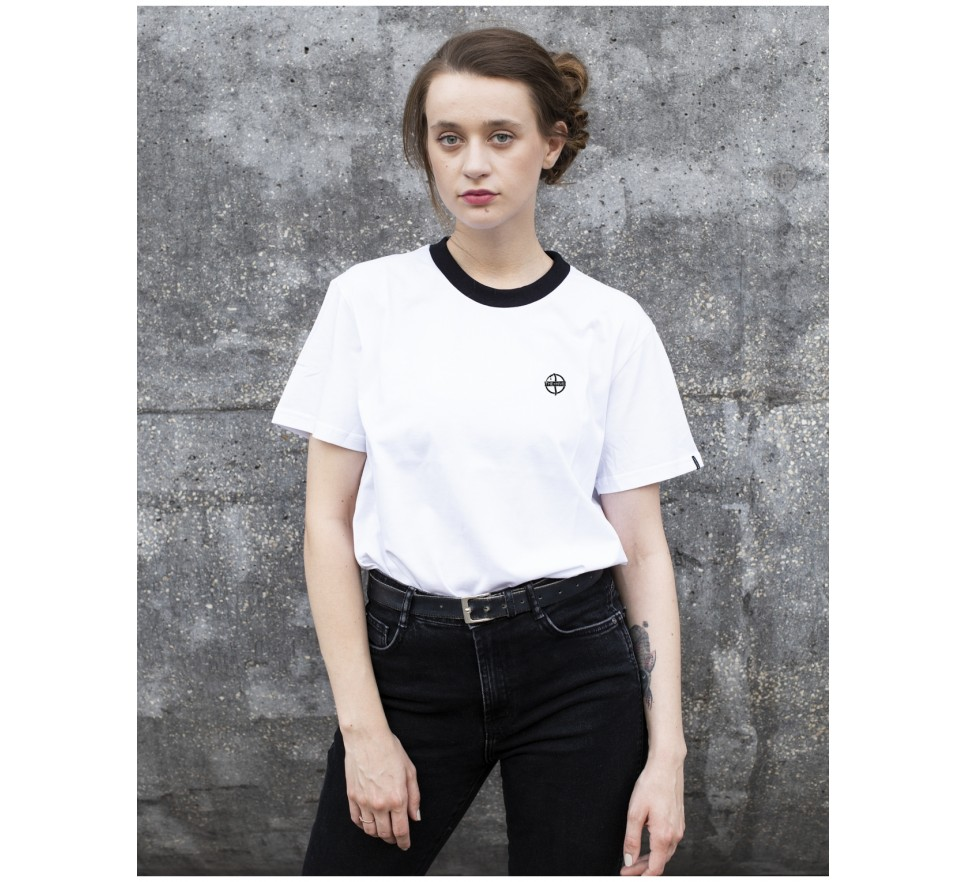 Hive tee in white