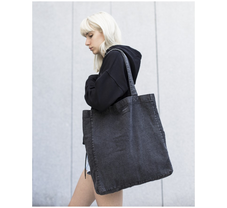 Denim bag in black